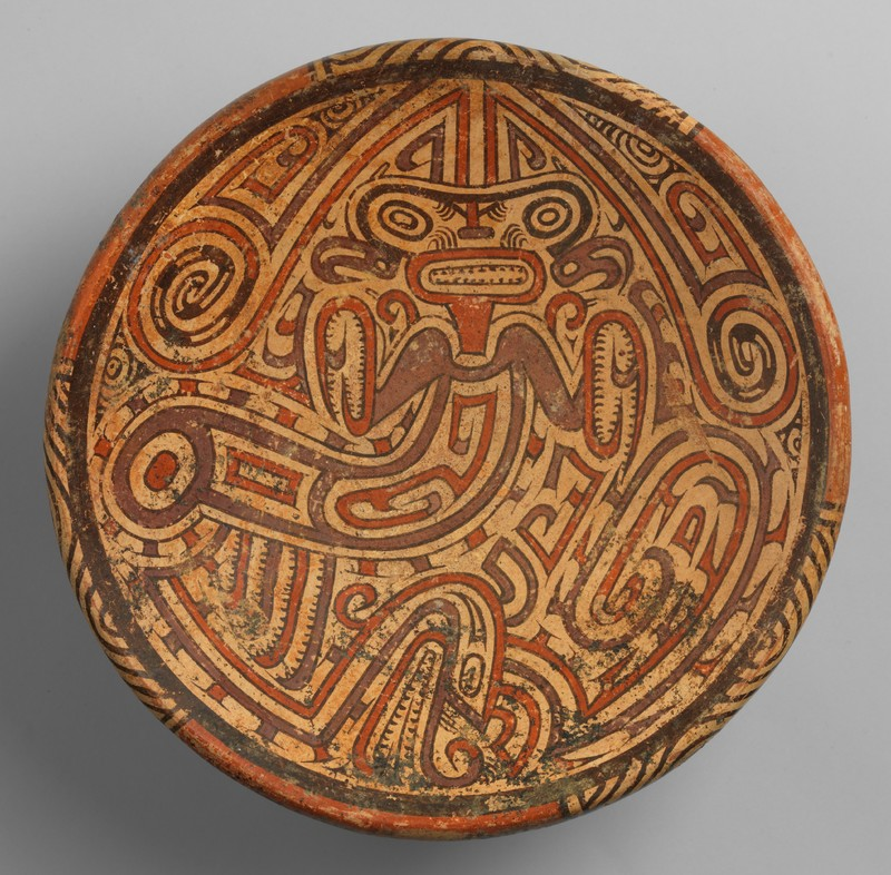 Pedestal Plate with Praying Mantis Motif